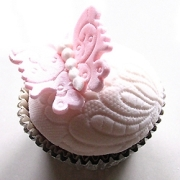 Kylie_lambert_cupcake_2