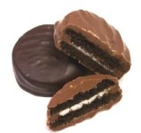 Dark_chocolate_oreos_4